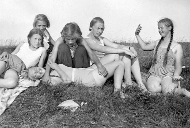 jungen-madchen-fensburg1934