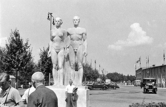 https://petegraftonphotos.files.wordpress.com/2017/03/4-1938-photo-album274-copy.jpg?w=640